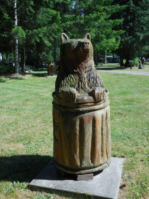 Wood - bear in can