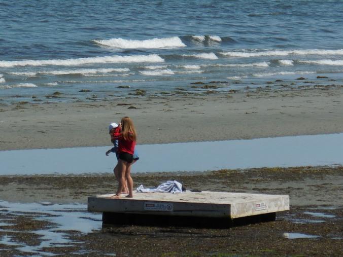 Beach life in Qualicum 4