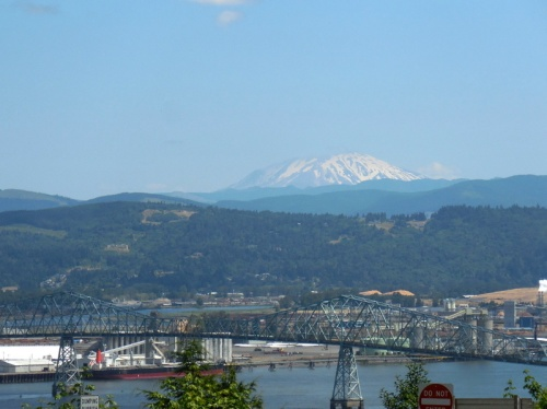 Longview Bridge and Mt St Helen