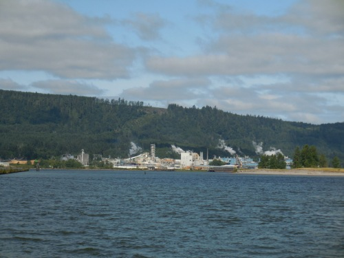Paper mill on Columbia RIver