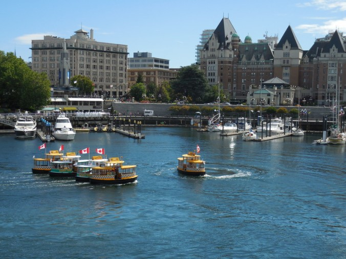 Water taxi formation 4