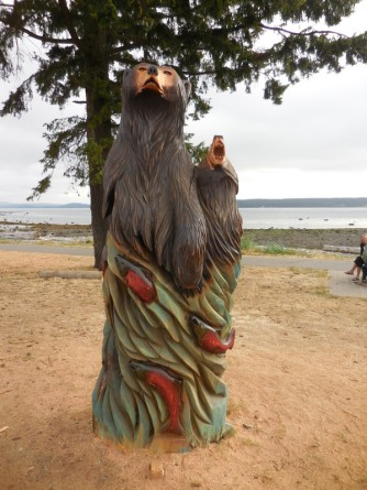 Willow Point - Bear carving