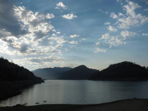 Sunrise at Pine Flat Lake