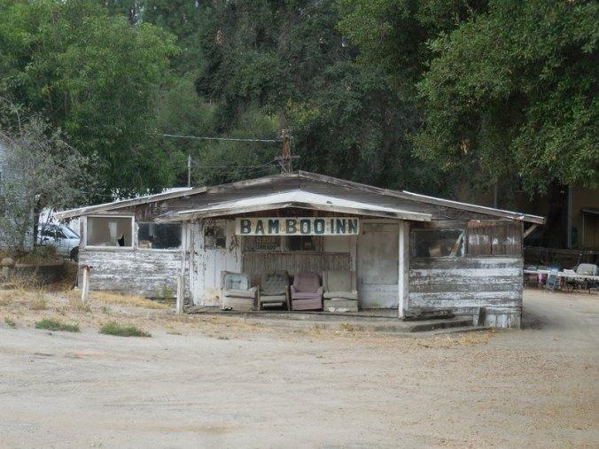 Bar on US side