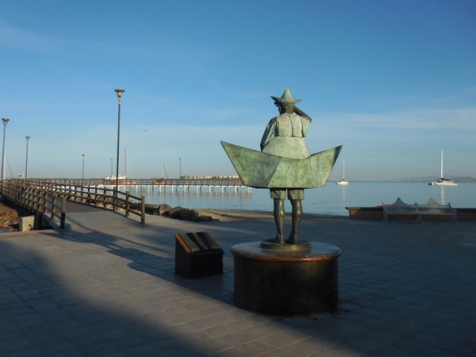 Malecon sculpture 3