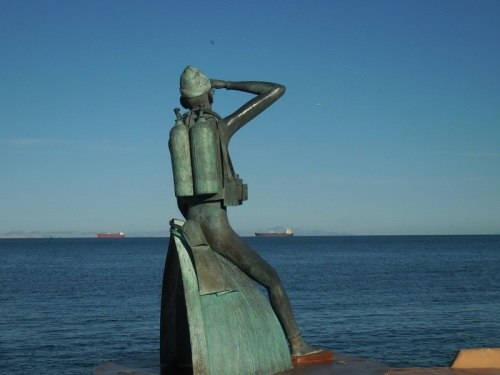Malecon sculpture 7