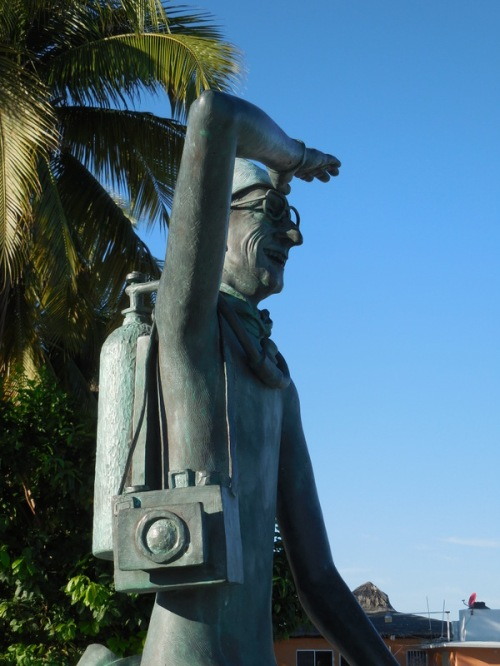Malecon sculpture 8