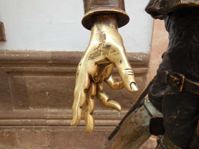 Don Quijote's hand