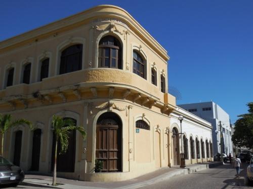 Mazatlan oldtown buildings 19