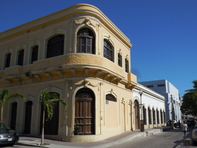 Mazatlan oldtown buildings 19