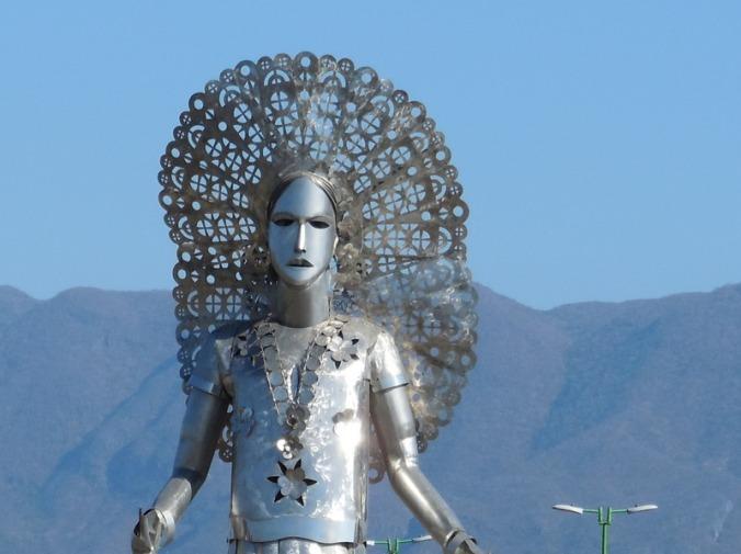 Steel lady in Tehuantepec 1