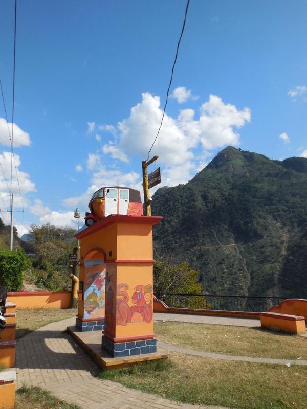 Tuk-tuk monument