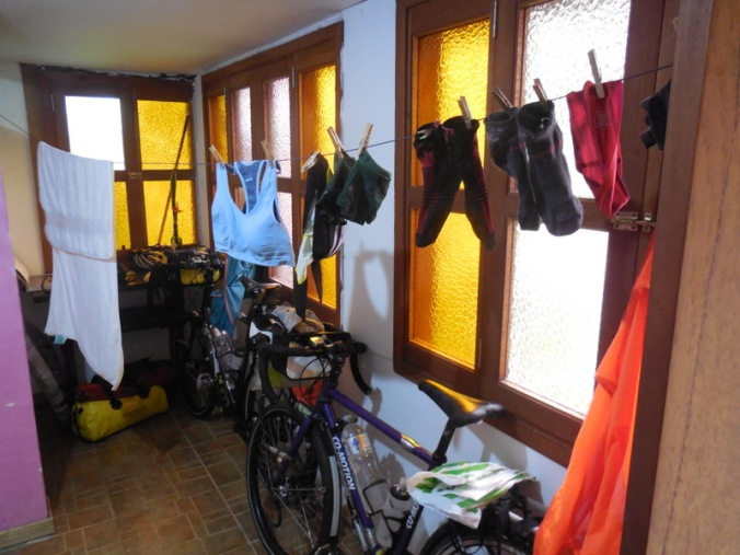 Cyclist room - wow wet