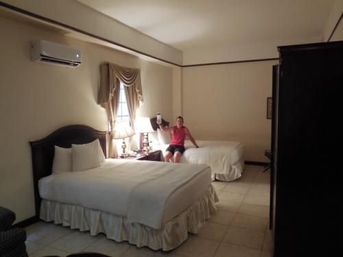 Hotel DeVille room