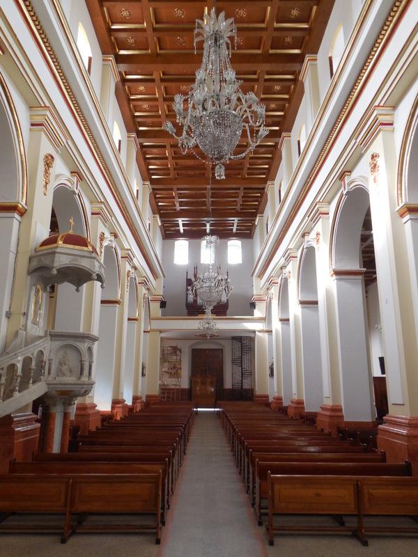 Santa Rosa de Osos church inside 2