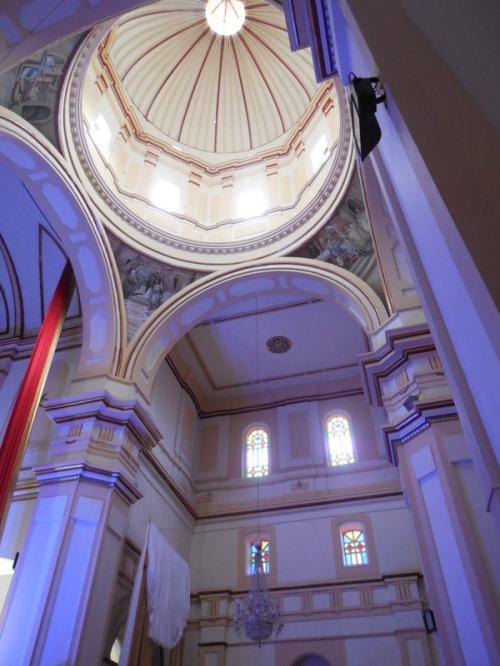 Yarumal church inside 1