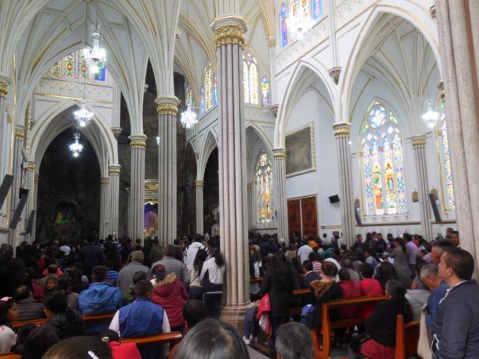 Las Lajas church inside