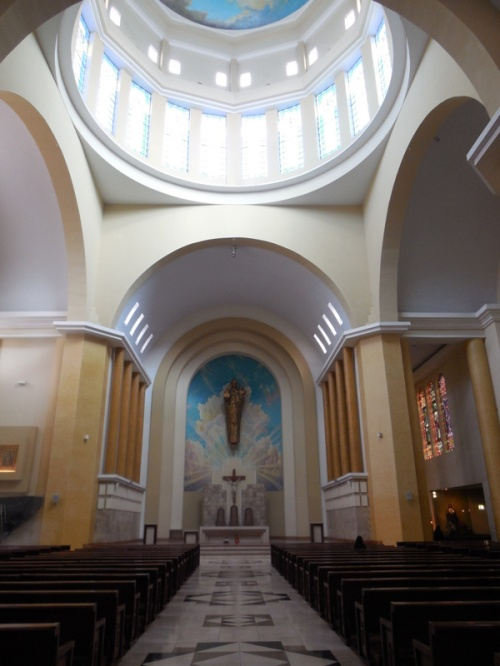 Ambato church inside 1