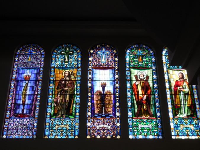 Ambato church inside 2
