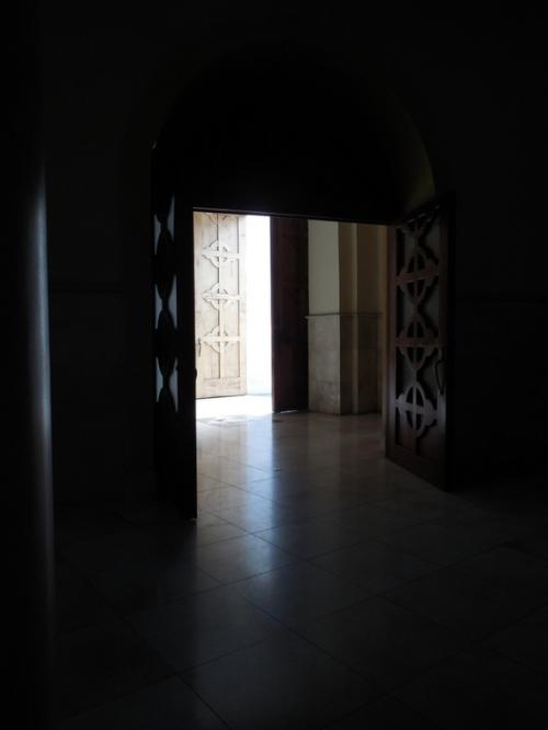 Ambato church inside 8