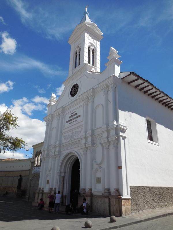 Cuenca church outside 4