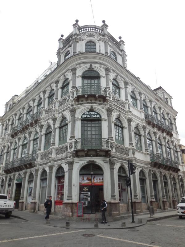 Cuenca coloninal building 2