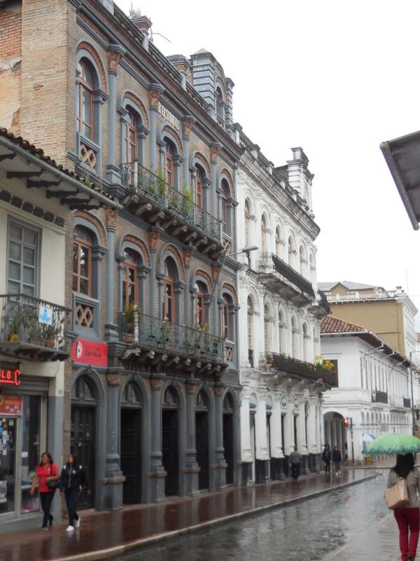Cuenca coloninal building 4