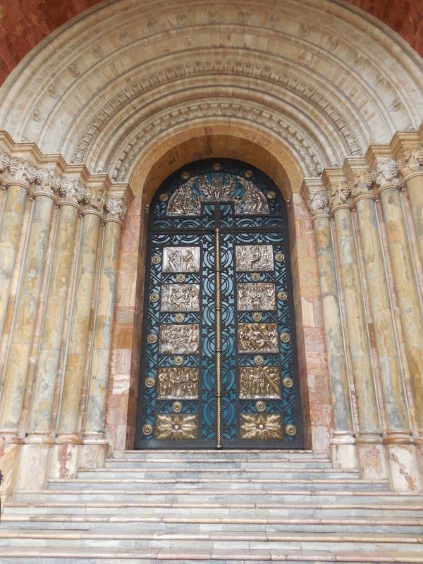 Cuenca door of the day 3