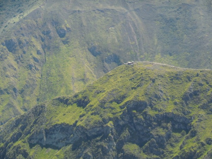 House at the end of a long ridge - a good drive to get milk if your cow breaks