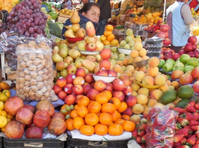 Market scene 2