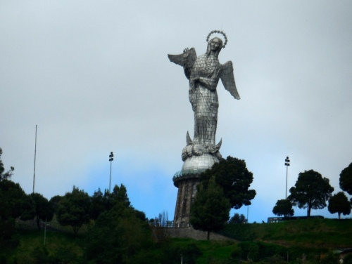 Virgin of Quito - 1976 - statue above oldtown