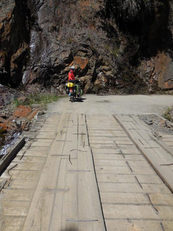 Bridge on desent - dangerous