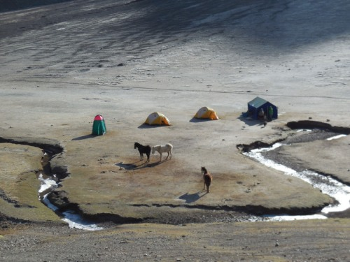 Camp at Rainbow Mountain 1
