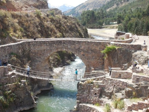 Inca and colonial bridges