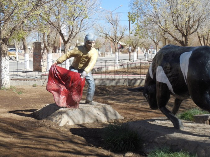 Abra Pampa park art
