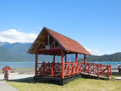 Hornopirén waterfront 2