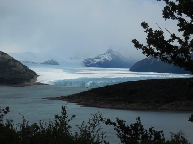 Glacier Perito Moreno distant