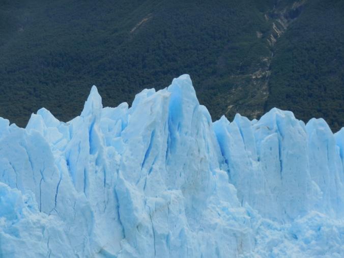 Glacier Perito Moreno peaks 1