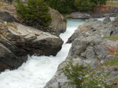 Laguna Esmeralda outflow 1
