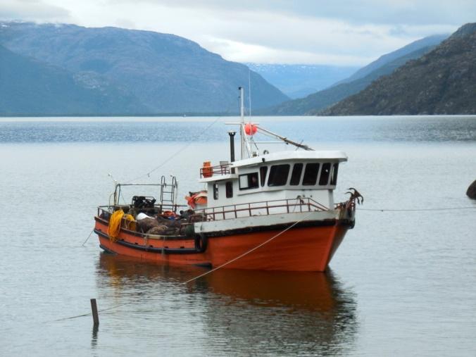 Puerto Yungay trawler