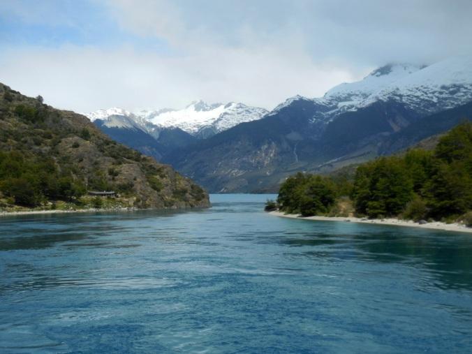 River leaving Lago General Carrera 1