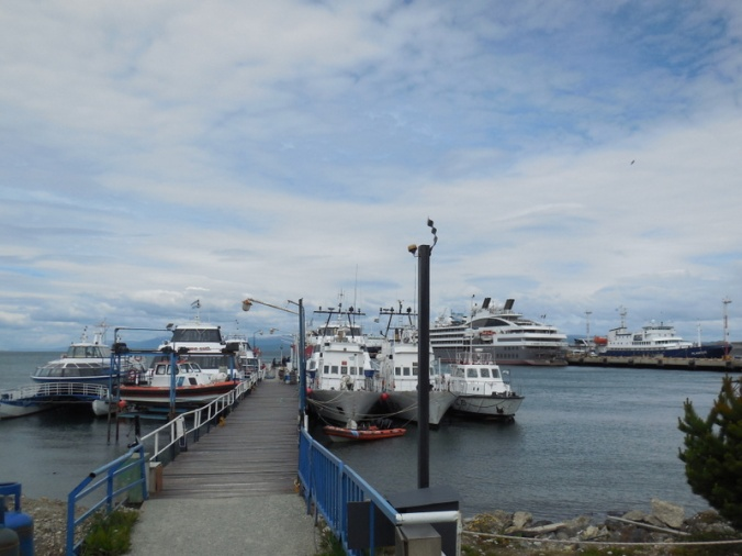 harbour ships 3